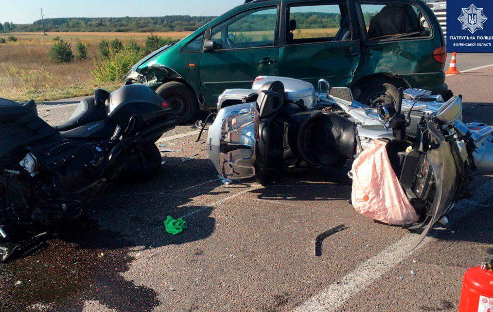 Смертельна аварія на Волині: один чоловік загинув, іншого – забрали в лікарню. ФОТО