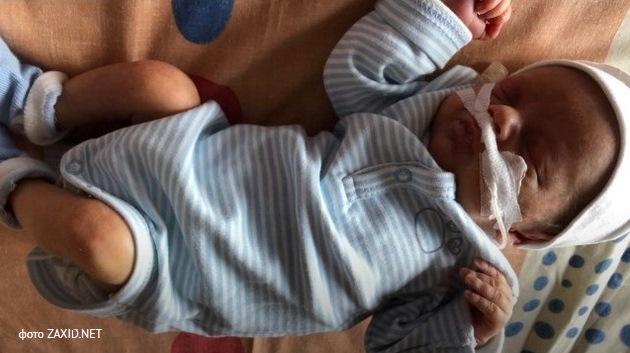 Волинському малюку хірурги видалили пухлину вагою майже 2,5 кілограма