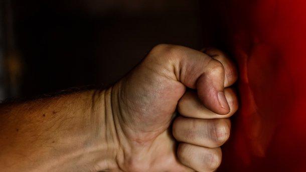 Побив співмешканку і порізав собі вени – у Ковелі вгамовували молодика