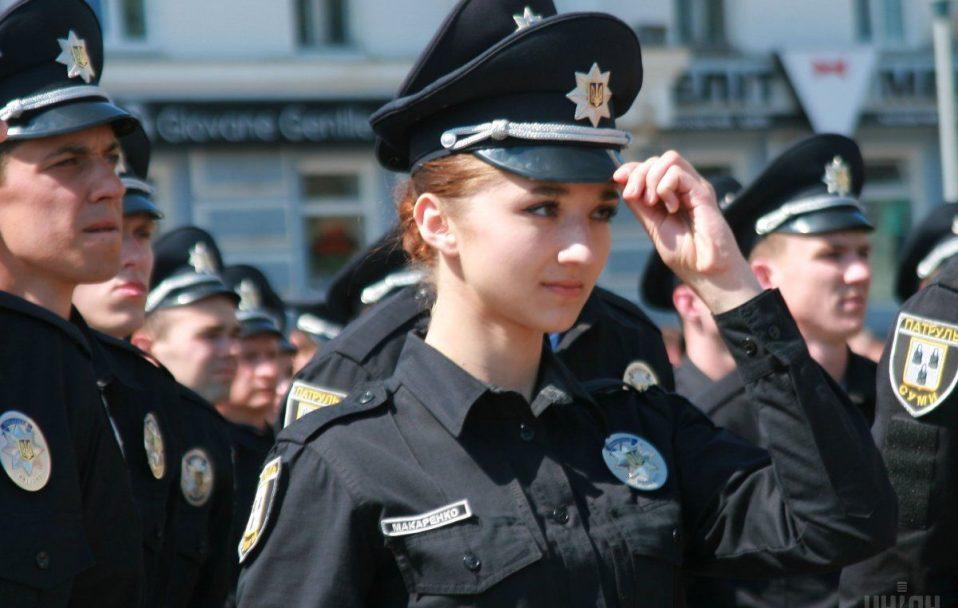 Кличуть на роботу у патрульну поліцію Волині. Зарплата – від 10 000 гривень