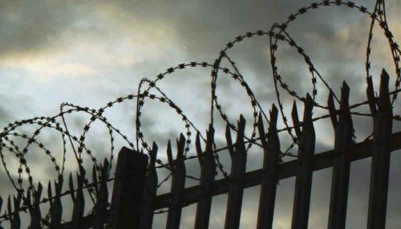 До в'язниці на чотири роки: 16-річний волинянин пограбував жінку
