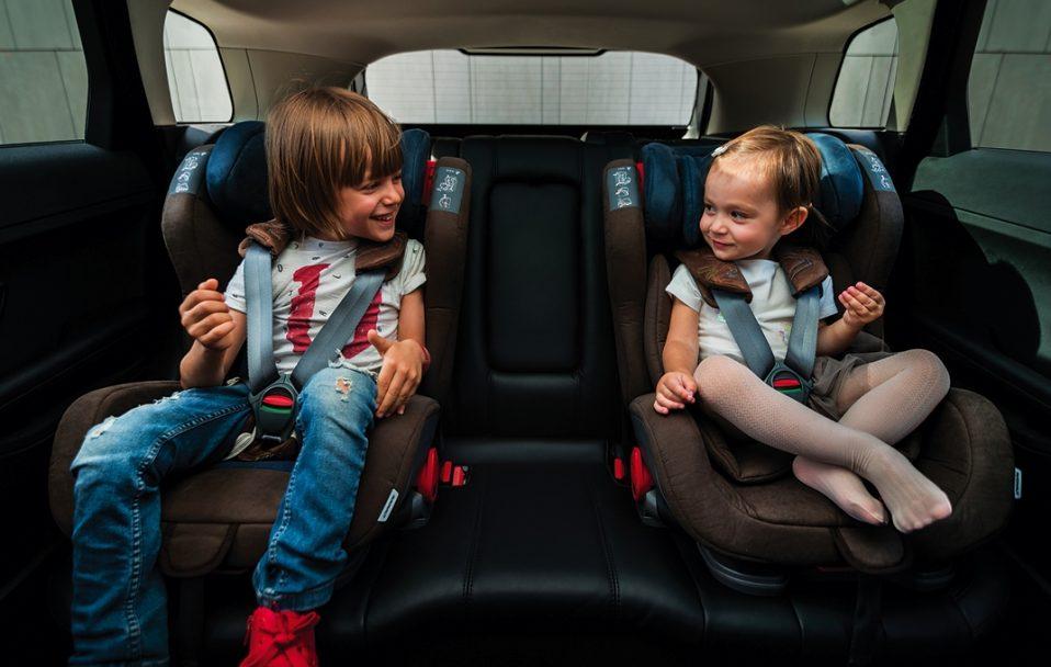 В Україні ввели штрафи за перевезення дітей не в автокріслі