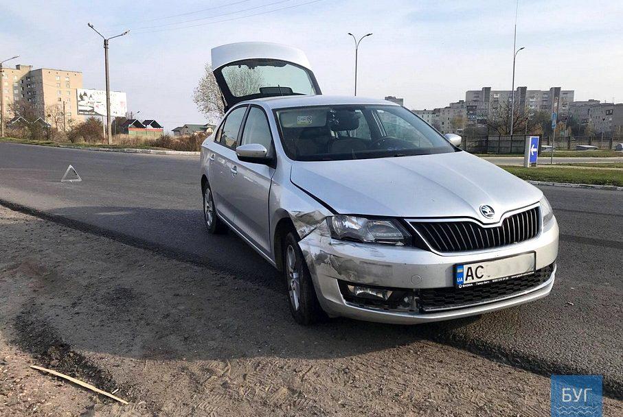 У Нововолинську не розминулися дві автівки. ФОТО