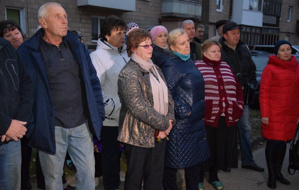 """Ремонту не було з часу заснування району: у Луцьку """"прокачають"""" двір. ФОТО"""