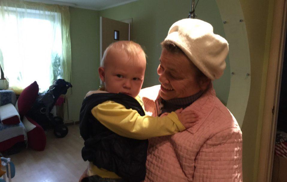 У Луцьку рятувальники визволяли дитину із зачиненої квартири. ФОТО. ВІДЕО