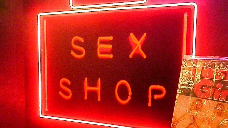Луцькі бізнесмени судяться через майно секс-шопу