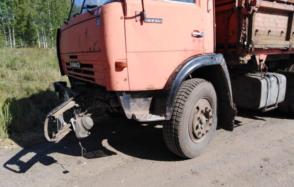 """На Волині бус зіткнувся з вантажівкою """"КамАЗ"""""""