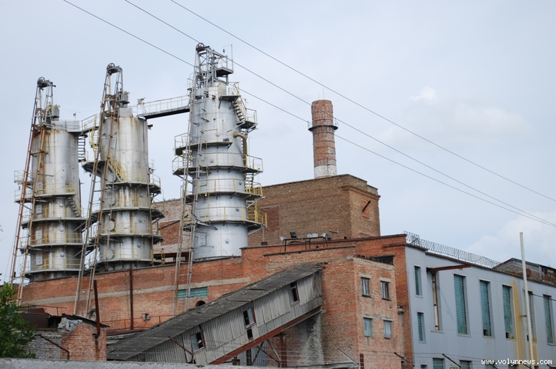 Влада Луцька просить президента закрити скандальні заводи