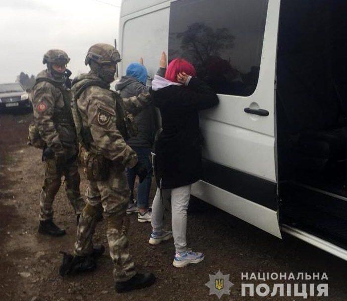 На Волині затримали організовану групу, яка постачала наркотики з Європи в Україну