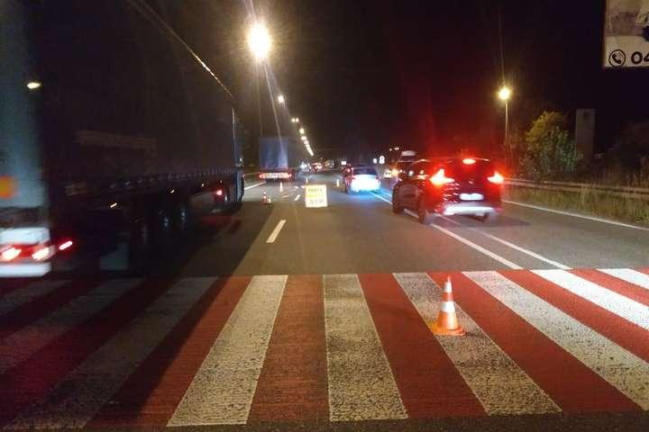 """У Володимирі водій легковика збив жінку """"на зебрі"""" і втік. ВІДЕО"""