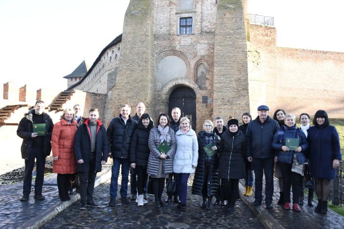 Делегація комітету Верховної Ради побувала в Луцькому замку і колодяжненському музеї. ФОТО