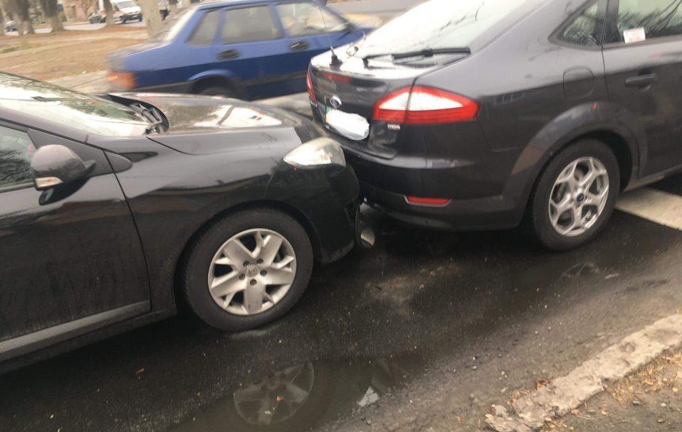 ДТП у Луцьку: постраждали три автівки. ФОТО