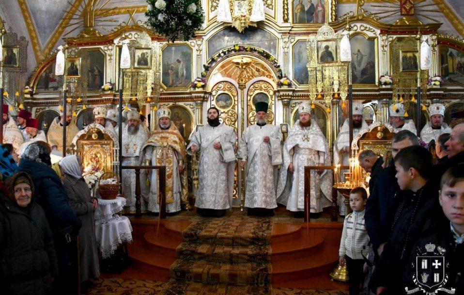 Прихильники УПЦ МП у Рожищі відзначили престольне свято. ФОТО