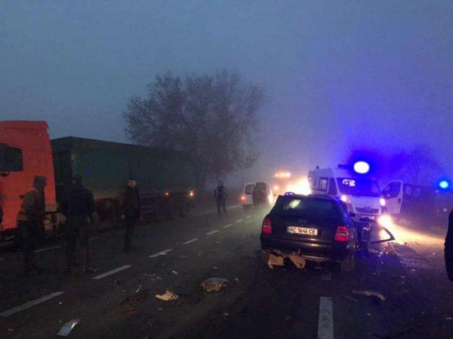 ДТП на Волині: зіткнулися 4 автомобілі, є постраждалі. ФОТО
