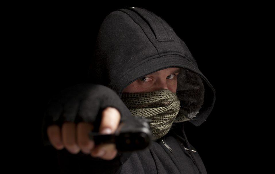 Троє бандитів вдерлись в будинок на Волині: людей зв'язали і пограбували