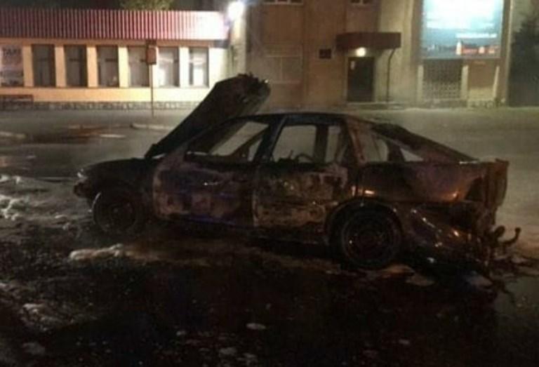 У Луцьку згорів автомобіль, – соцмережі. ВІДЕО