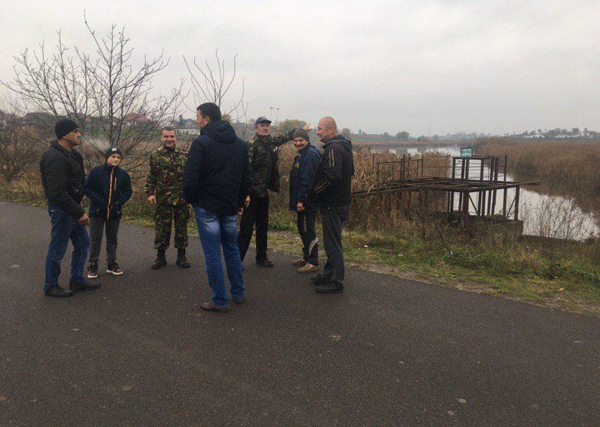 Занедбаний ставок поблизу Луцька: мешканці села хочуть врятувати водойму. ФОТО