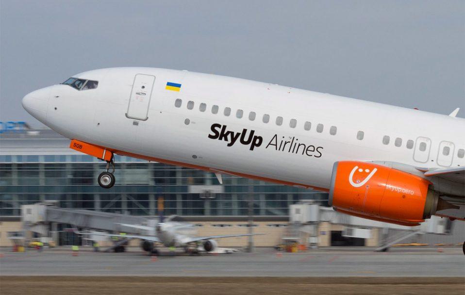 Літак відомої української авіакомпанії загорівся під час посадки в Єгипті