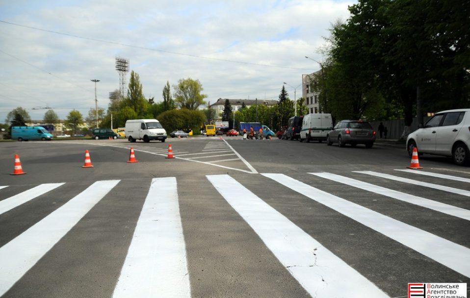На кількох вулицях Луцька змінять схему дорожнього руху