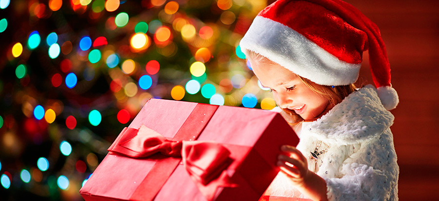 Дарувати дітям светри замість іграшок не можна, – експертка розповіла, як обирати подарунки