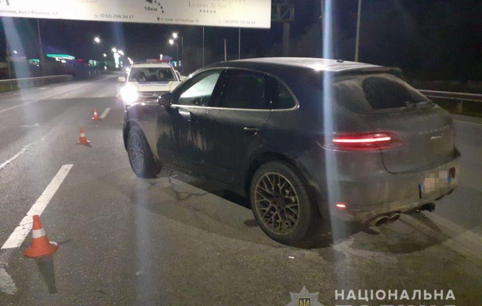 Лучанин на «Porsche» наїхав на поліцейського