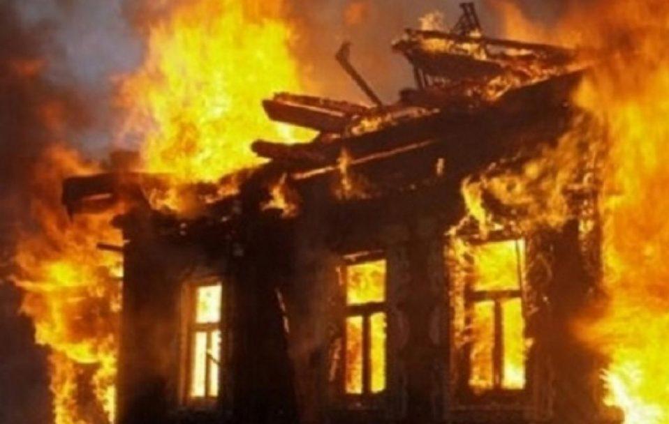 Просять допомогти багатодійній сім'ї з Волині, у якої згоріла хата