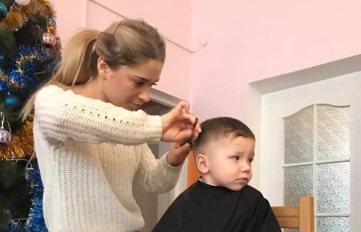 Як луцькі стилісти робили зачіски вихованцям дитбудинку. ФОТО