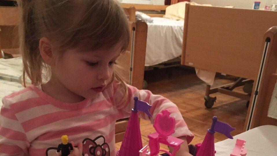 У Луцьку влаштовують ярмарок для порятунку 3-річної дівчинки