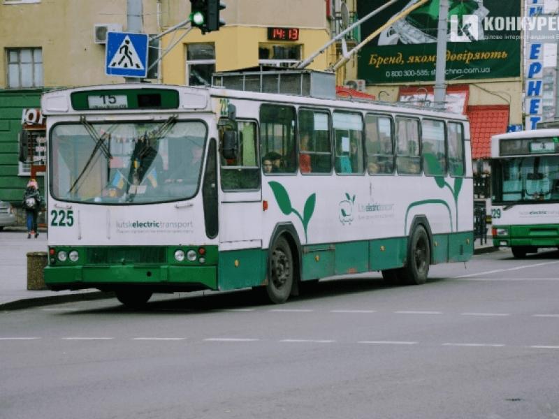 У Луцьку зупинилися майже всі тролейбуси