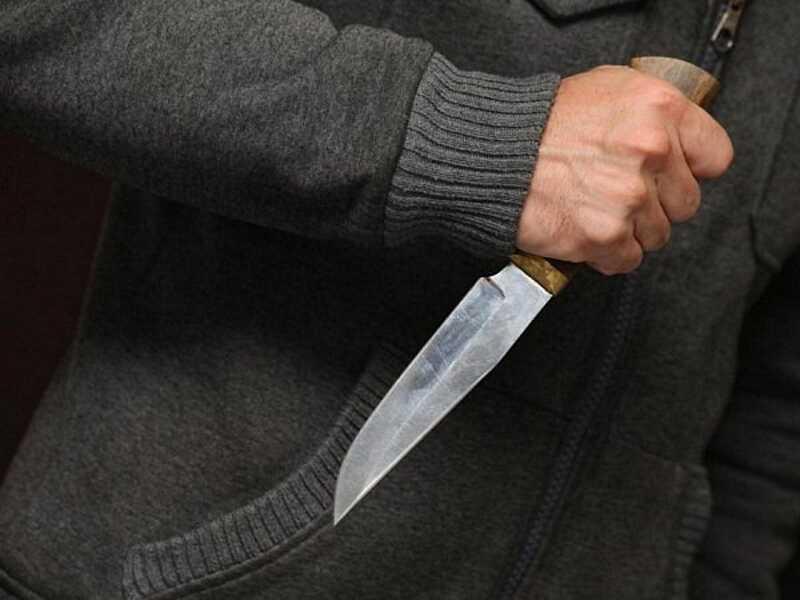 На Волині чоловік напав з ножем на батька