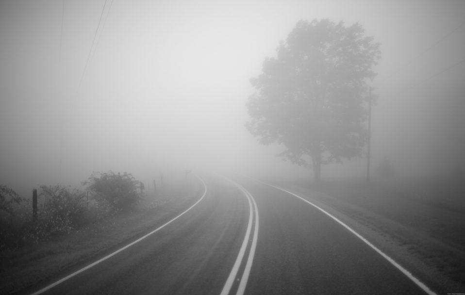 Видимість – менше 100 метрів: волинські дороги окутав туман
