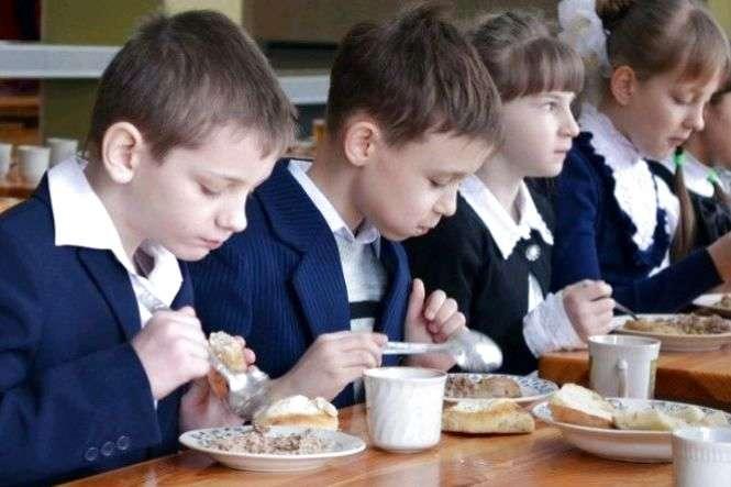 У деяких школах на Волині можуть призупинити харчування учнів