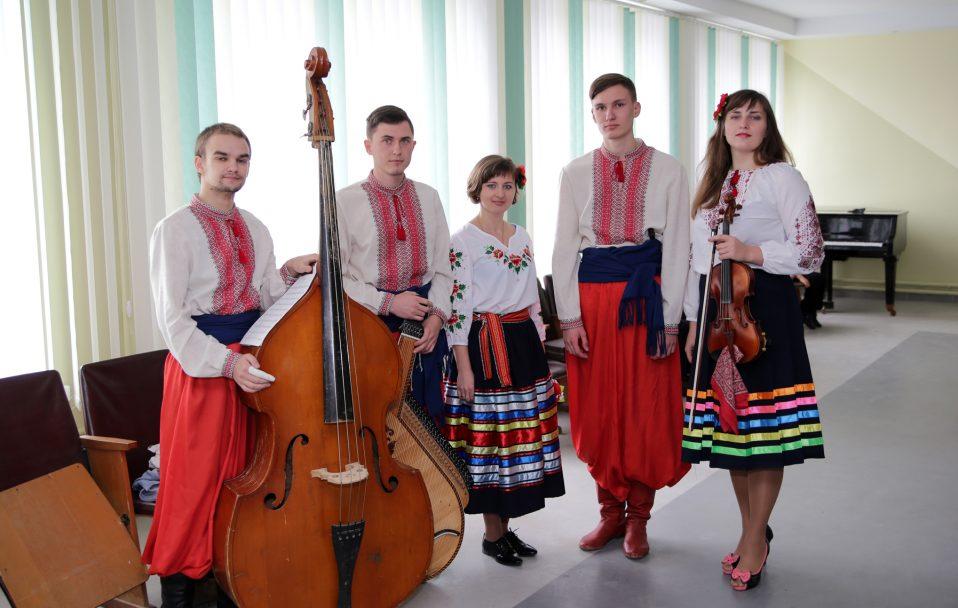 """Сопілкар гурту, який поїде на """"Євробачення"""", раніше працював у школі біля Луцька. ФОТО"""