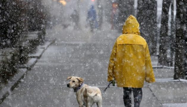 Сильні опади та штормовий вітер: синоптики попередили про погіршення погоди в Україні