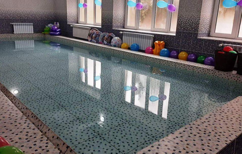 У Нововолинську відкрили сучасний басейн. ФОТО