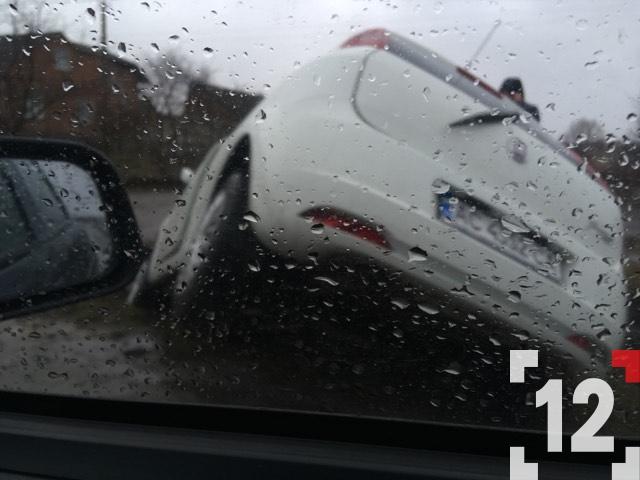 Під Луцьком автівка злетіла в кювет. ФОТО. ВІДЕО