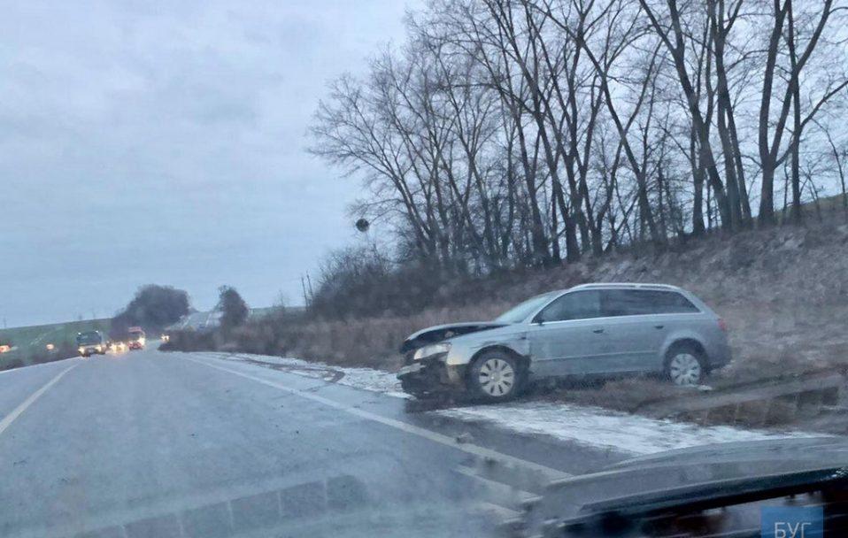 Автотроща на Волині: зіткнулися три автомобілі. ФОТО