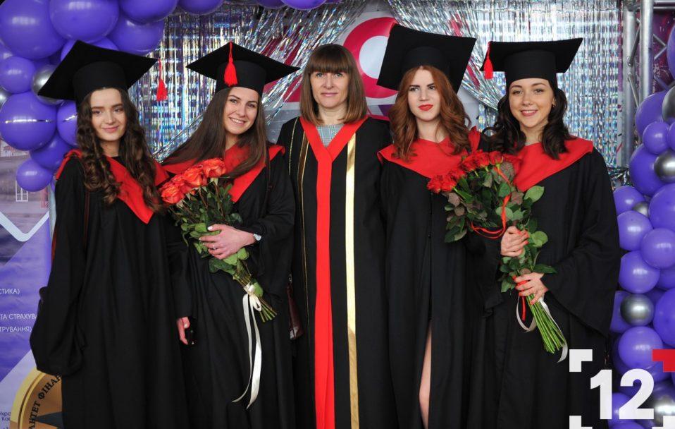 Сотні магістрів ЛНТУ отримали дипломи. ФОТОРЕПОРТАЖ