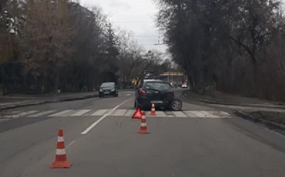 ДТП у Луцьку: в однієї з автівок від удару вирвало колесо. ФОТО
