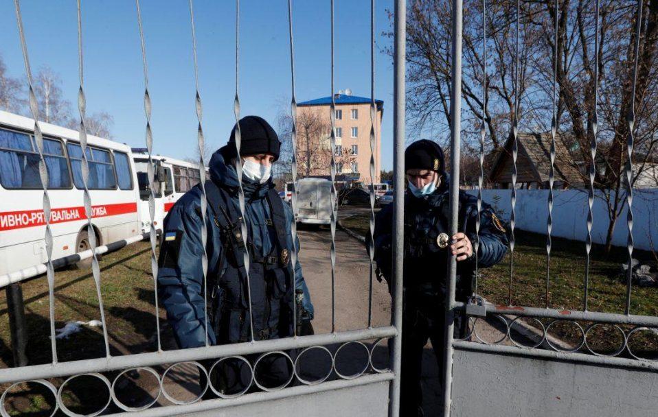 Обсервація стала обов'язковою для українців, які повертаються з-за кордону