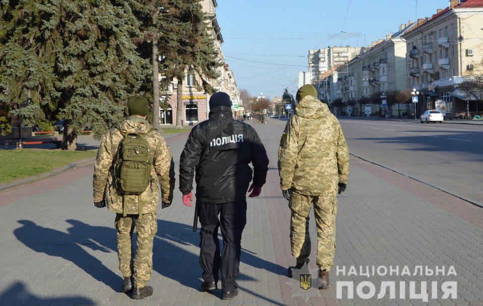 Волинські міста разом з поліцією патрулюватимуть військові. ФОТО