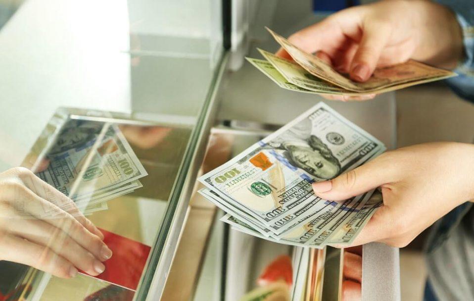 Долар почав падати: який курс у Луцьку 29 травня