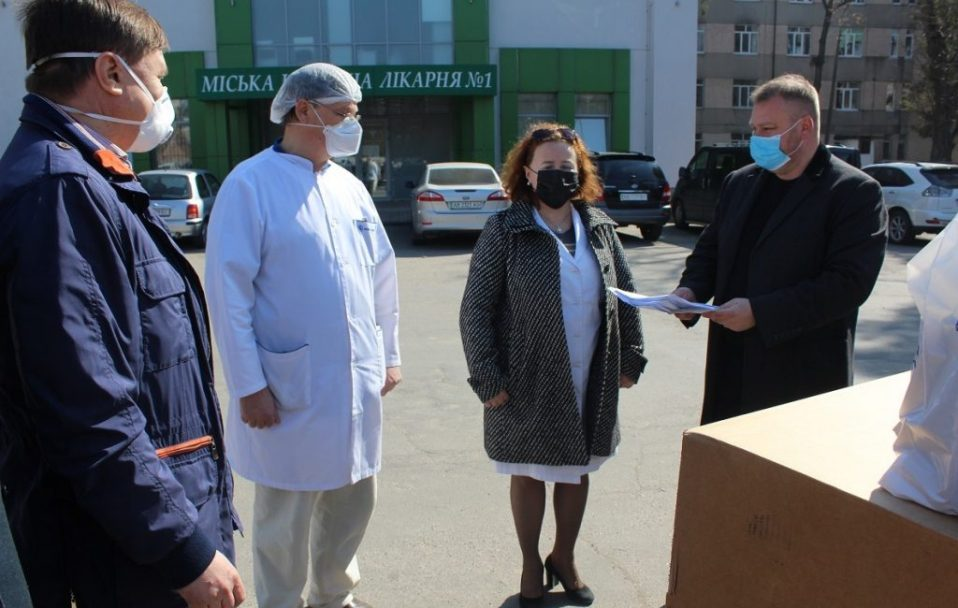 Вінницька міська лікарня N1 отримала реанімаційне обладнання від благодійників