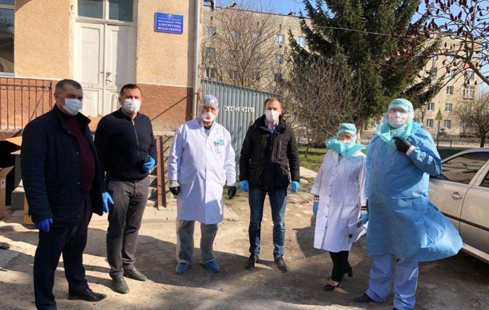 У лікарню на Тернопольщині, де зафіксовано спалах коронавірусу, привезли реанімаційне обладнання