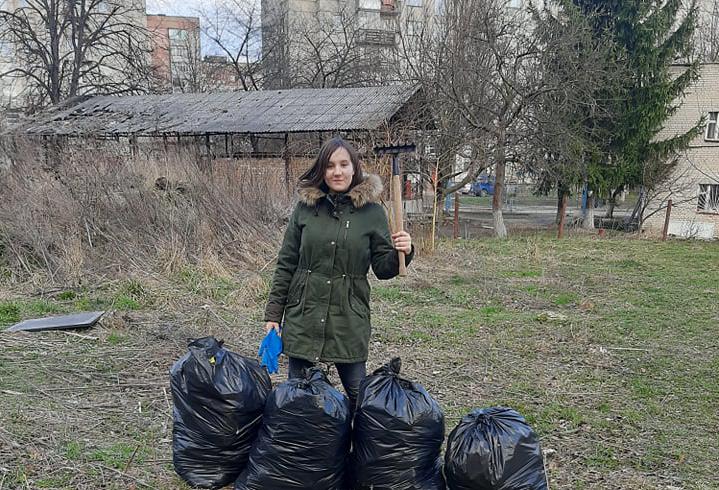 Школярка з Луцька запустила екологічний флешмоб. ФОТО