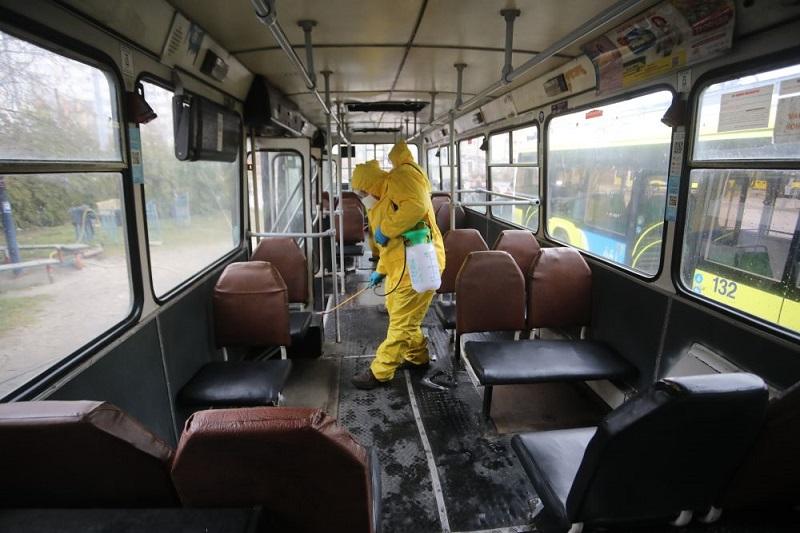 Коронавірус не пройде: як дезінфікують луцькі тролейбуси