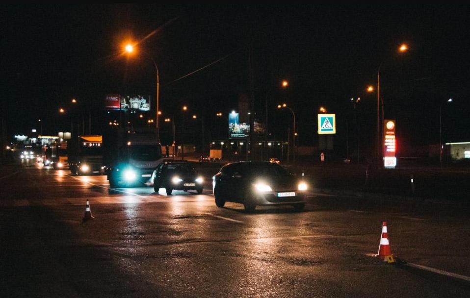 На Волині бус збив пішохода: водій втік з місця ДТП