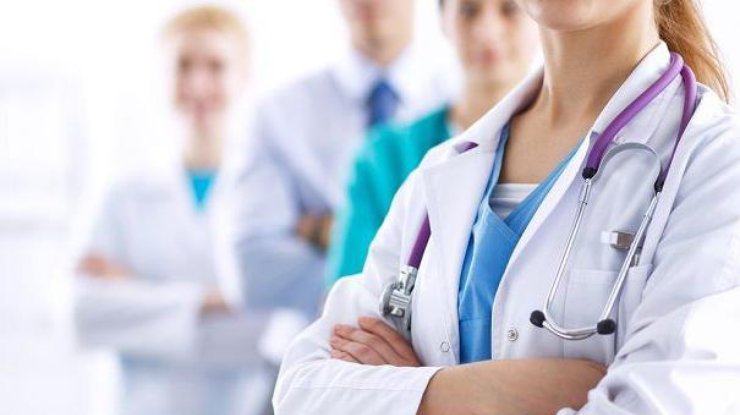 З хворими на коронавірус у Волинській обласній лікарні працюватимуть медики-добровольці