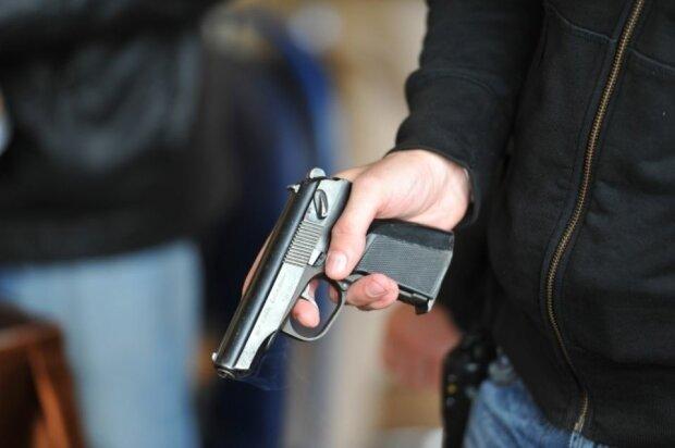 У Ківерцях піймали озброєну банду, яка пограбувала магазин