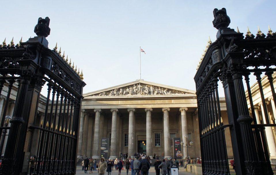 Карантин з користю: 12 відомих музеїв світу, які можна відвідати онлайн